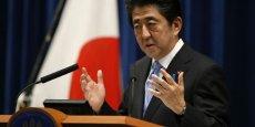 39% des personnes sondées par le quotidien Asahi Shimbun mi-novembre disent soutenir Shinzo Abe, une baisse de trois points par rapport à une enquête similaire effectuée plus tôt dans le mois.