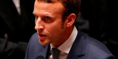 Le ministre de l'Economie, Emmanuel Macron, a annoncé aux députés son projet d'interdire les retraites chapeau.