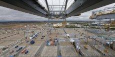 Par zone géographique, le solde s'est détérioré vis-à-vis de l'Union européenne du fait d'un net recul des exportations (aéronautique, chimie, pétrole raffiné et boissons) et d'une hausse des importations. La dégradation est également très marquée avec le Proche et Moyen-Orient, après les exceptionnelles ventes d'Airbus de décembre, précisent les Douanes.