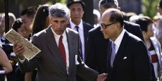 Aujourd'hui, Li Ka Shing (à droite) est sans conteste l'homme le plus puissant de Hong Kong.