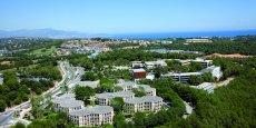 La volonté est d'intégrer également tous les autres acteurs du territoire, notamment l'Université Nice Sophia-Antipolis qui a installé son Campus Sophia Tech en plein cœur de la technopole en 2013.