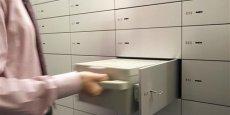 les clients des banques suisses se sont retrouvés avec des comptes clôturés ou gelés, et ce, sans préavis.