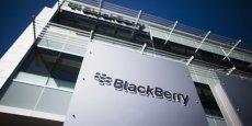 Le ministre des Finances, Joe Oliver, a dit à la presse que toute tentative de rachat de BlackBerry serait examinée par le gouvernement fédéral.