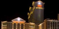 Créé à Reno, dans le Nevada, en 1937, Caesars Entertainment a été racheté par les fonds Apollo et TPG en 2008. Il a depuis pâti d'une baisse de son activité après l'éclatement de la crise financière.