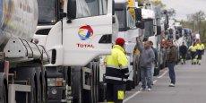 En 2010, la France avait connu une grève dure de la part des transporteurs routiers, bloquant notamment les dépôts pétroliers.