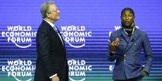 Al Gore, Prix Nobel de la paix, ex-vice président des Etats-Unis (à g.) écoute le compositeur, chanteur interprète Pharrell Williams présenter son concert Live Earth.