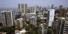 « Bombay s'est développée sans aucune cohérence d'ensemble, car les pouvoirs publics, les promoteurs immobiliers et la mafia ont toujours été de mèche », raconte un urbaniste local, sous le sceau de l'anonymat.