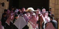 Le roi Salman s'est engagé à poursuivre la politique de son prédécesseur en matière de politique énergétique et étrangère.
