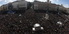 La Puerta del Sol en plein centre de Madrid est noire de monde alors que doit commencer la Marche pour le changement organisée par le parti Podemos.