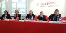 Emmanuelle Cosse, Isabelle This Saint-Jean, Jean-Paul Huchon, Pierre Serne et Abdelhak Kachouri présentant le Contrat de plan 2015-2020.