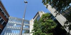 Le bâtiment de 40 000 m2 de la Redoute à Roubaix pourrait devenir un pôle d'excellence pour le e-commerce.
