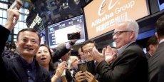 À la Bourse de New York, la cotation d'Alibaba le 19 septembre 2014, un triomphe absolu pour le groupe chinois d'e-commerce qui a décroché la palme mondiale, avec 25 milliards de dollars levés.