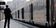 Cette dépréciation d'actifs, effectuée sur la base d'une simulation de ce qu'ils vaudront dans 15 ans, sera de 9,6 milliards d'euros pour SNCF Réseau (infrastructures ferroviaires), de 2,2 milliards d'euros pour SNCF Mobilités (trains) et de 450 millions d'euros pour les gares.