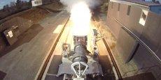 Test de la tuyère du futur booster d'Ariane 6 en 2015 sur le site Essais de missiles de la DGA à Saint-Jean-d'Illac (Gironde).