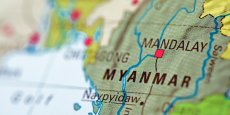 « Nous rendre visite maintenant reviendrait à cautionner le régime actuel » selon la célèbre opposante birmane, Aung San Suu Kyi.