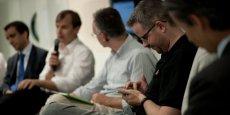 Plus de 4 salariés sur 10 (44%) utilisent leur smartphone ou leur ordinateur pour faire autre chose pendant ces réunions, selon l'étude.
