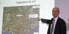Conférence de presse de Rémi Jouty, le directeur du Bureau d'enquêtes et d'analyses, mercredi 25 mars, au Bourget. Sans écarter aucune hypothèse, il a estimé que la concentration des débris n'était pas compatible avec une explosion en vol.