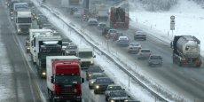 Déjà validé par le Bundestag (chambre basse), le texte prévoit d'instaurer courant 2016 sur les autoroutes et routes nationales allemandes une vignette annuelle.