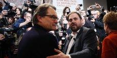 Artur Mas, président du gouvernement régional catalan (à gauche) et Oriol Junqueras, leader d'ERC (à droite), ont trouvé une feuille de route commune.