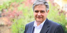 Le président du département de Haute-Garonne, Georges Méric (PS), veut mettre en marche un revenu de base pour les jeunes qu'il attend depuis 2016.