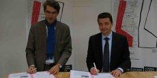 Etienne Tricaud, président d'AREP et Gaël Perdriau ont signé la convention-cadre ce vendredi à Saint-Etienne.
