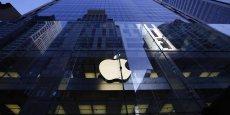 Une étude du cabinet Greenwich Consulting pour la Fédération française des télécoms estime le chiffre d'affaires d'Apple en France en 2011 à 3,2 milliards d'euros, alors que le groupe a déclaré des ventes de 257 millions.