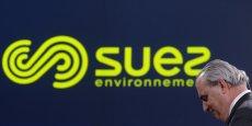 Aguas Argentinas, filiale de Suez Environnement (ici le PDG Jean-Louis Chaussade devant le nouveau logo), s'était vue attribuer en 1993 la gestion de ce contrat, résilié en 2006 par le gouvernement argentin.