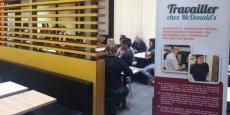 Venez comme vous êtes, repartez avec une idée de nos emplois plus nette... c'est un des objectifs principaux de la journée des métiers organisé ce jour par MacDo (ici, dans le restaurant de la gare Saint-Jean, à Bordeaux).