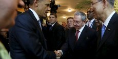 Barack Obama et Raul Castro au sommet des Amériques.