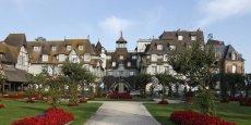 L'actuel propriétaire majoritaire de l'hôtel Normandy à Deauville, entre autres, détient l'usufruit de l'héritage de son épouse Diane Barrière, décédée en 2001. Leurs enfants Alexandre et Joy devraient en obtenir la succession à la mort de leur père.
