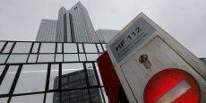 Deutsche Bank a déjà dû verser une amende à la Commission européenne en décembre 2013 dans ce scandale révélé mi-2012, qui s'élevait à 725 millions d'euros. (Photo: le siège de la banque allemande, à Francfort)