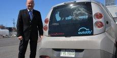 Jean-Luc Monfort, l'homme fort de Vincent Bolloré au Canada, dirige  l'usine Blue Solutions Canada (ex-Bathium) sur la rive-sud de Montréal, qui fabrique les batteries Lithium Métal Polymère (LMP) des Bluecar conçues par Bolloré en 2005.