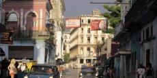 Le rétablissement des relations diplomatiques entre Washington et la Havane, annoncé le 17 décembre 2014 par Barack Obama et Raul Castro, franchit un nouveau cap. Le retrait de Cuba de la liste noire des « Etats soutenant le terrorisme » devrait conduire à la réouverture des ambassades américaines et cubaines.