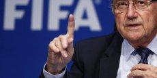 Ni Jérôme Valcke ni Sepp Blatter, réélu vendredi 29 mai président de la Fifa malgré ce scandale, ne figurent parmi les 14 personnes mises en cause par la justice américaine.