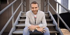 Diplômé d'HEC, Alexandre Mars a fondé cinq start-up, dont Phonevalley et ScrOOn dans les solutions mobiles, respectivement revendues à Publicis et Blackberry, avant de créer la Fondation Epic.