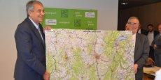 Les deux présidents ont présenté la première carte IGN du nouveau territoire Auvergne-Rhône-Alpes