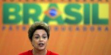 Nous sommes ici non seulement pour annoncer de grosses sommes et des projets ambitieux mais surtout pour renouveler notre engagement pour le développement de notre pays, a déclaré ce mardi 9 juin Dilma Rousseff, lors d'une cérémonie au siège de la présidence.