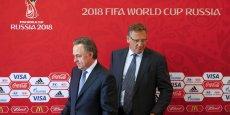 Jérôme Valcke (ici à droite) a déclaré qu'il n'y avait rien dans la candidature de la Russie pour la Coupe du monde 2018 qui permette de conclure qu'elle n'était pas conforme à la réglementation.