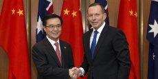 La Chine est le premier partenaire commercial de l'Australie avec des échanges dépassant les 160 milliards de dollars australiens (110 milliards d'euros) par an.