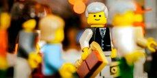 Créée en 1932, la marque Lego est depuis devenue la reine du marché du jouet, avec 2,11 milliards de chiffre d'affaire entre janvier et juin 2014.