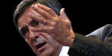 Avec son programme économique, François Fillon se donne pour objectif de ramener le taux de chômage de 10% actuellement  à 7% en 2022.