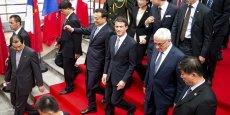 Manuel Valls a promis aux Chinois, en particulier touristes, le dispositif d'accueil le plus attractif de tous les pays européens.