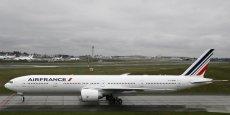 Du côté d'Air France, quatre fermetures de lignes déficitaires (Kuala Lumpur, Stavanger, Vérone, Vigo) avaient déjà été annoncées en juin et plus de 1.000 suppressions de postes ont été amorcées depuis le début de l'année.
