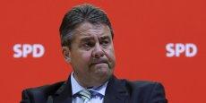 Sigmar Gabriel, président de la SPD doit réagir : le parti passerait sous la barre des 20 %, selon un sondage.