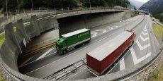 Une nouvelle taxe régionale sur les poids lourds circulant sur les routes alpines pourrait financer le tunnel ferroviaire Lyon-Turin.