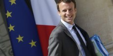 La nomination fin août 2014 dans le gouvernement Valls III de cet ancien secrétaire général adjoint de l'Élysée, jamais élu, avait déjà fait grincer des dents dans son camp. Ses prises de position au cours de sa première année à Bercy n'ont rien fait pour changer la donne.