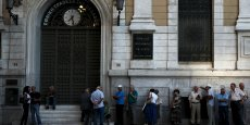 Après trois semaines de fermeture, les banques grecques vont rouvrir leurs portes.