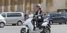 Après Paris, et son offre Cityscoot, Lyon expérimente la location de scooters électriques en accès libre.