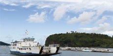 Le 101e département français, égaré au milieu de l'océan Indien, dispose d'une des lignes maritimes les plus fréquentées de France. En 2010, le Service des Transports maritimes (STM) recensait déjà plus de 4 millions de passagers par an.