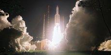 La fusée Ariane 5 au décollage depuis Kourou.